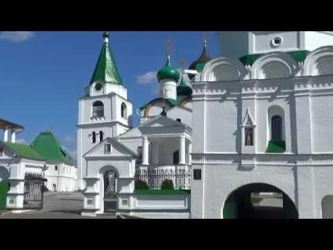 Покровская церковь красное