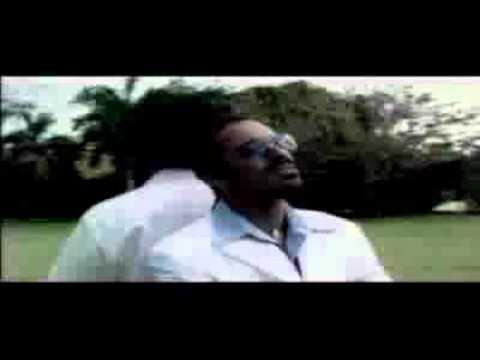 Aunque No Sea Conmigo - Celso Piña (Video)