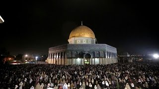 Palestinian Muslim pray in Jerusalem for Laylat al-Qadr