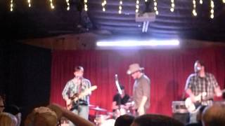 "Adam Hood & Jason Eady singing ""Late Night Diner"""
