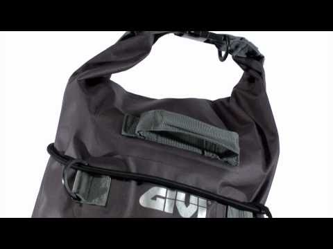 The waterproof bags offer complete water resistance for trips of medium and long-range. Coupling systems elastic straps allow the user maximum freedom of assembly. They can be mounted on the passenger seat, on the rack of the bike and on the optional racks available for our cases. Made of TPU heat seal this range of bags is characterized by extreme lightness and practicality and for the use of ecological materials.