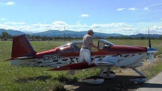preview picture of video 'Concentración de aviones de construcción amateur en Pamiers-Les Pujols (Francia)'