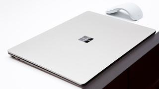 """מייקרוסופט חושפת את הלפטופ """"Surface"""" החדש שלה, המריץ ווינדוס 10 S!"""