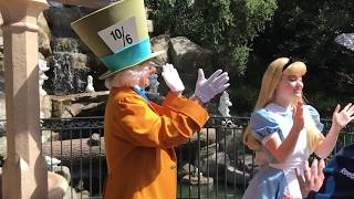 Mad Hatter sings the UNBIRTHDAY SONG! // Disneyland