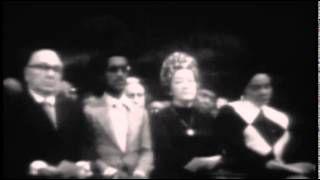 Aretha Franklin - Precious Lord,Take My Hand - 1972  - Funeral Of Mahalia Jackson
