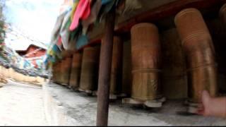 preview picture of video 'Cilindros de oracion tibetanos / Tibetan prayer wheels'