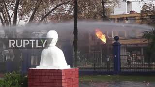 Chile: Molotov cocktails fly as students clash with police