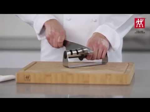 Messer schärfen mit dem Messerschärfer TWINSHARP Select – So geht's  – ZWILLING J.A. Henckels