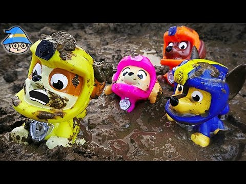 Paw patrol rescued from mud swamps. play sticky mud and bath toys