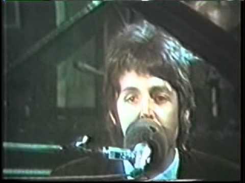 "Watch ""Paul McCartney e Stevie Wonder – Ebony and Ivory"