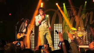 """The Darkness- """"Barbarian"""" @ The Belasco Theater 4.12.16"""