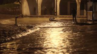 preview picture of video 'Heavy rainfall and floods in the old city of Amman'