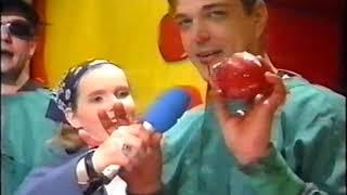 THE BATES MIX 1996 mit Vorstellung der Single Poor Boy Playback Liveauftritt IRRE SCHRÄGER AUFTRITT
