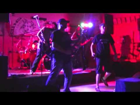 Hollow   Fallen Pawns Live 28 09 13