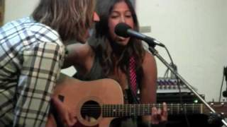 Cindy Santini playing at Pacific Beach Surf Shop - Song:  Boom Boom