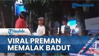Viral Video Preman Kepergok Memalak Badut di Jalanan, Polisi: Udah Kuat Badan Kau