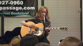 Chely Wright at the Book Passage, Corte Madera CA