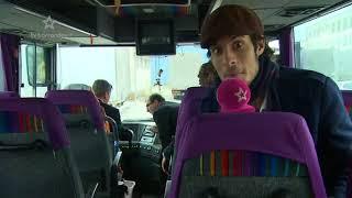 Miloš Zeman řídí autobus