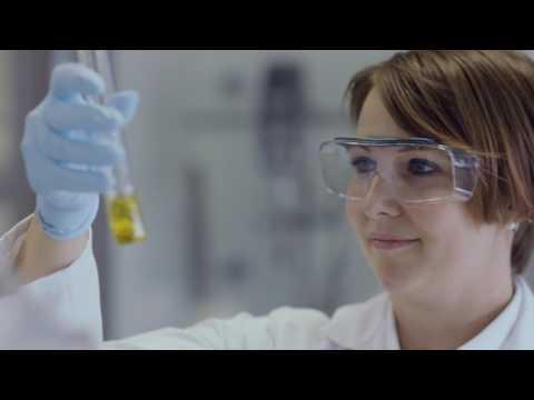 Shell Experten Dr. Valeria Loreti und Rüdiger Heine