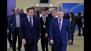 Вице-премьер Юрий Трутнев посетил экспозицию Хабаровско...