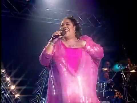 The Weather Girls - It's Rainning Men (Live 2012 Martha Wash) [HD] #Gay
