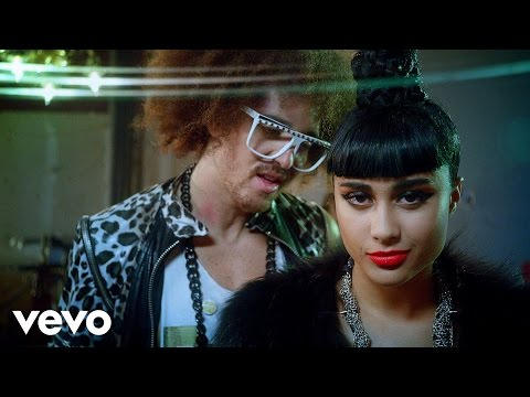 Champagne Showers - LMFAO (Video)