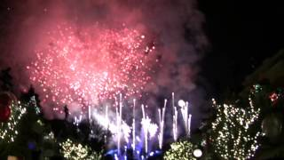 """Disneyland New Year's Eve 2016-2017 Countdown and """"Fantasy In The Sky"""" Fireworks"""