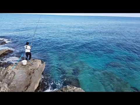 Il tessitore per inverno pescando per fare a proprie mani