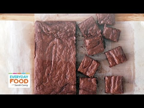 Triple-Chocolate Brownies (HEALTHY DINNER COLLAB!) – Everyday Food with Sarah Carey