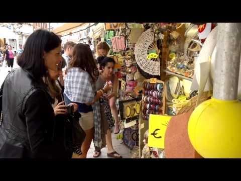 Video Rude Shopkeeper in Venice