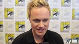 Дэвид Андерс,   0:03 / 3:14 David Anders Interview - iZombie (CW)