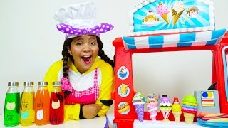 Johny and Linda Pretend Play Toy Cafe with Friends