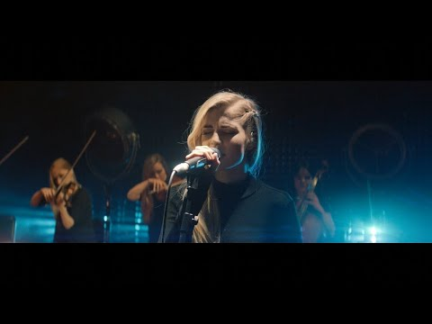 Sights (2014) (Song) by London Grammar
