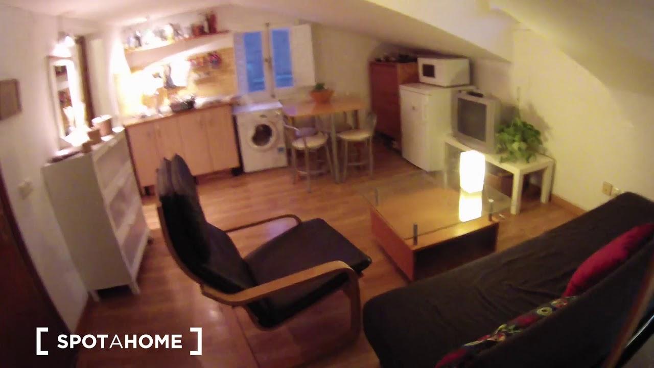 Cozy studio apartment with AC for rent in La Latina
