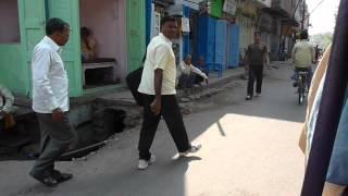 preview picture of video 'Inde 2009 : Varanasi - Bodhgaya - Dans les rues de Gaya'