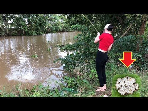 First Time Girl Fishing with HONEYCOMB vs. GIANT Piranha