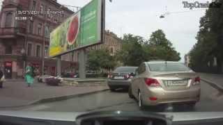 Смешные женщины за рулем авто  - видеоприколы июнь 2013 #2