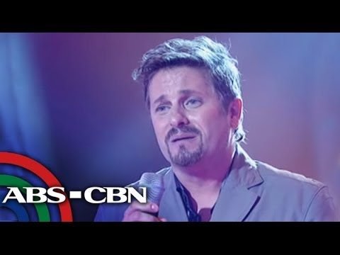 Syrian-Filipino makes Sarah cry on 'Voice PH'