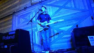Jake Thistle -- Terms of My Surrender (John Hiatt cover live at Humdingers)