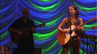 Ani DiFranco - Emancipated Minor (with Hammel On Trial)