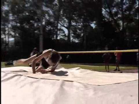 Troféu IENH de Atletismo 2013 marca inauguração de setores de salto