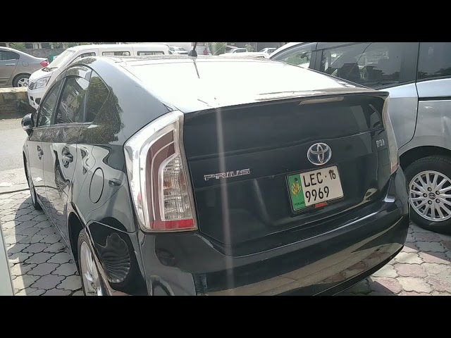 Toyota Prius S 1.8 2011 for Sale in Lahore