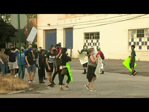 Protests over Detroit summer school continue for 2nd week