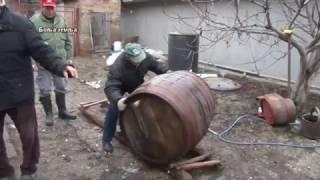 Vinari i i vinogradari Fruskogorski - tradicionalno i moderno pretakanje talozenje i bistrenje vina