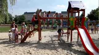 preview picture of video 'Nowy plac zabaw ufundowany przez Nivea - Knurów'