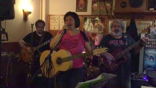 Video Dita trio: Indián