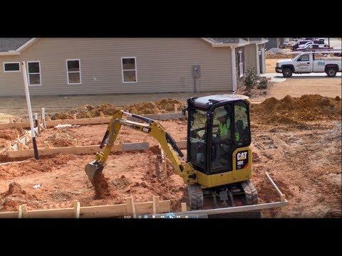 סרטון של מיני באגר 301.8 בפעולה מיני מחפרון 301.8 מבית caterpillar  - טרקטורים וציוד I.T.E
