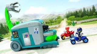 Мультики про машинки - видео для детей с игрушками Герои в масках - Разделяй и властвуй!