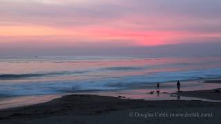 preview picture of video 'Crystal Cove State Park Sunset Timelapse from the historic cottages in Ultra HD (4K)'