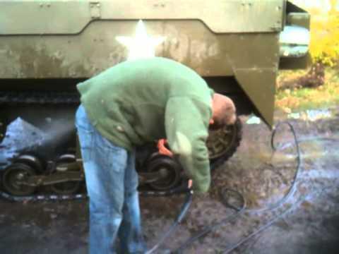 Hochdruckreiniger Kraenzle B 240 T  am M16 Halftrack